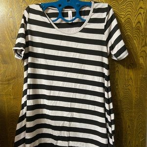 LuLaRoe Perfect Tee (black and white stripes)